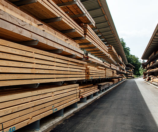 Pflöcke aus Holz zum Bauen von Holz Gar in Aumühle südlich von München.