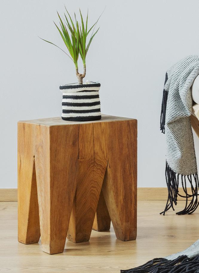 Holz Gar in Aumühle südlich von München fertigt individuelle Beistelltische für Ihr Zuhause.