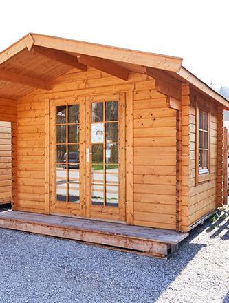 Gartenhaus in der Ausstellung von Holz Gar in Aumühle südlich von München.