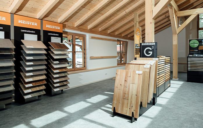 Böden in der Ausstellung von Holz Gar in Aumühle südlich von München.