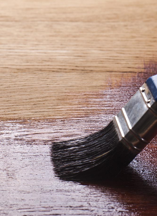 Entdecken Sie passendes Öl zur Pflege Ihrer Tischplatten aus Holz von Holz Gar in Aumühle südlich von München.